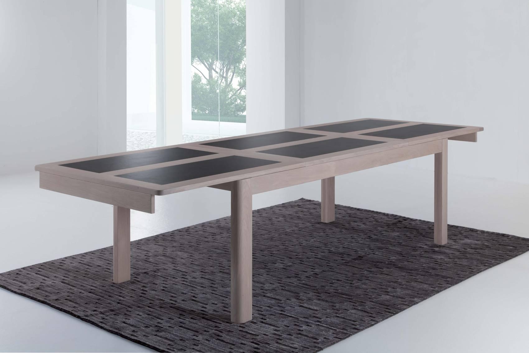 Table de salle manger deauvil 4 pieds bois deco for Fabrication d une table de salle a manger