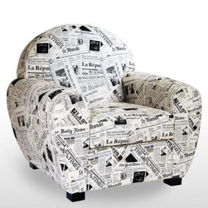 FAUTEUIL CLUB – tissu motif newspapers