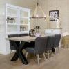 table-design-industrielle-cross-pieds-metal-croix-plateau-chene-massif-richmond-interiors-nord