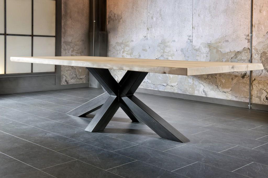 Table salle a manger pied m tal plateau bois ch ne massif - Treteaux pour table salle manger ...