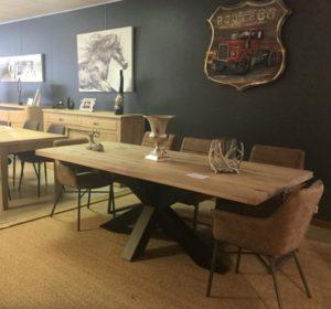 Salle a manger table pied metal industrielle plateau bois epais chene meubles gibaud cateau - Table plateau bois pied metal ...