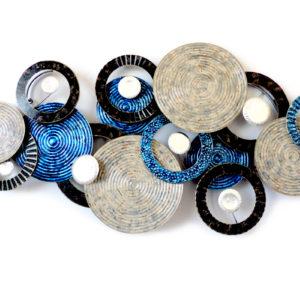 Sculpture-murale-disques-bleus- BEAUX-ARTS