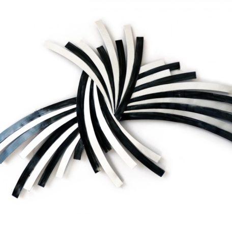 sculpture-decoration-murale-lignes-noires-blanches-socadis-beaux-arts-deco-boisetdeco-nord