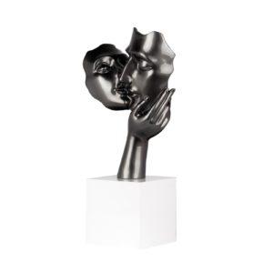 sculpture-amore-gris-initial-deco-couple-baiser-decoration-originale