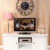 meuble-tv-moderne-bois-de-qualite-pin-blanc-portes-niches-provence-richmond-interiors