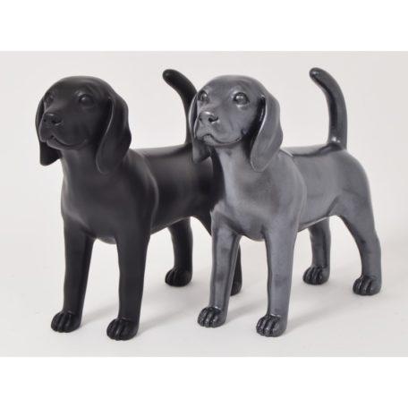 statue chien noir gris