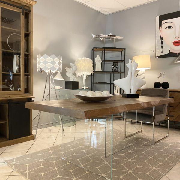 Table de salle a manger design avec plateau en bois et pieds en verre