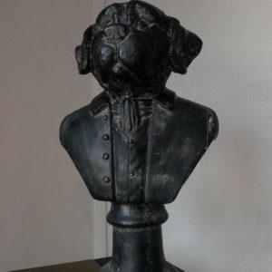 Statue chien en costume noir antique