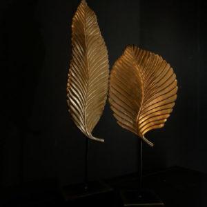 Statue feuilles metal or dore