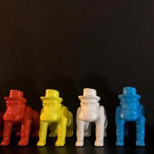 Statuettes singes avec chapeau divers coloris
