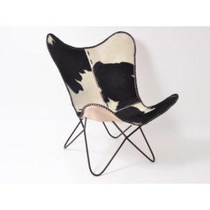 fauteuil-peau-de-vache-chalet-montagne-amenagement-salon-deco-interieur-chalets-boisetdeco