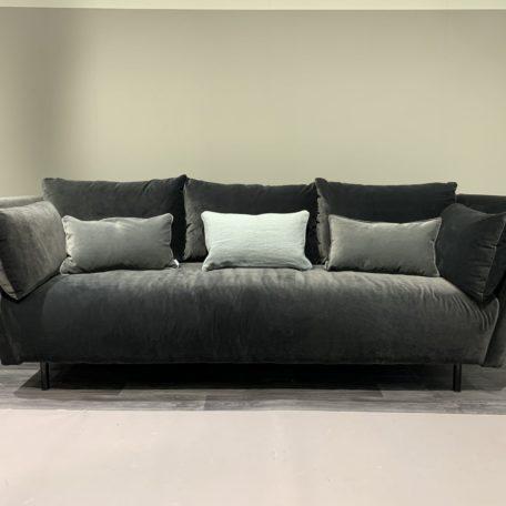 Canape moderne LISBONNE en tissu gris.